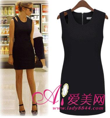 搭配tips:无袖黑色连衣裙+黑色高跟凉鞋