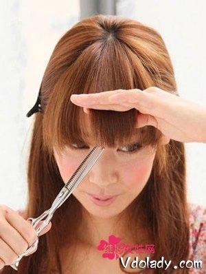 5步骤剪刘海!你也能变理发大师|刘海|理发店_凤凰时尚