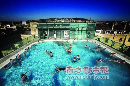 巴斯温泉浴场是英国著名的景点