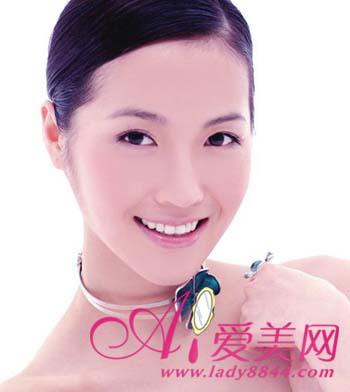 皮肤 颈部/茶树精油跟其他精油混合使用,也是有着极佳的美容效果的。