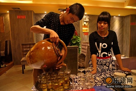 螺徒弟螺蛳粉商号的茶壶很有特色,茶也好喝