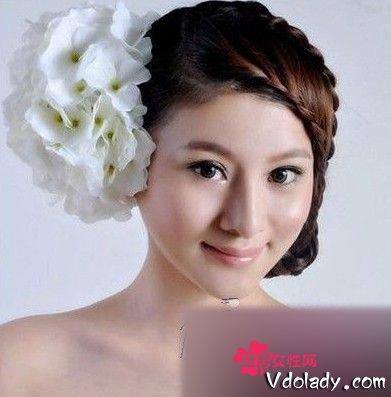 韩式新娘盘发发型图片姐妹们快来瞧瞧,这可是小编力荐的12款适合矮