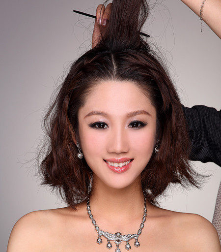 假发片盘发diy 短发变长塑完美新娘