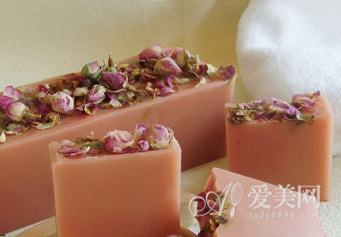 自制美肌手工皂的方法 初学者简单教程