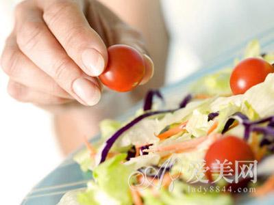 者可多吃蔬菜或五谷杂粮.-春季减肥要吃得聪明 均衡饮食补足营养