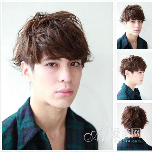 男生剪齐刘海,除了有型,还会显得比较可爱亲切,能让你更阳光帅气哦!