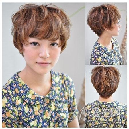 头发少适合什么发型 短发烫发显丰盈