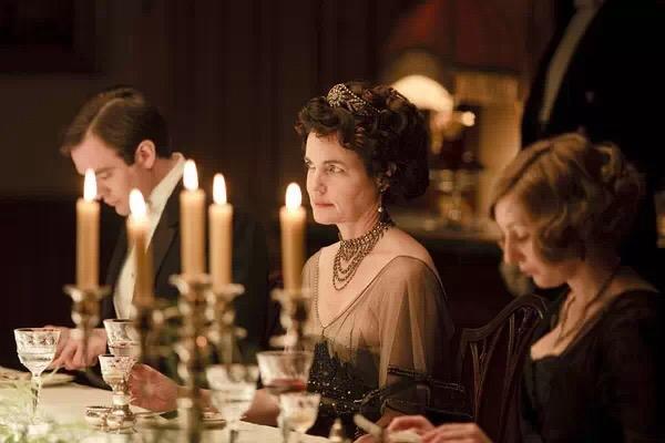 唐顿庄园 教你淑女必备的20条餐桌礼仪