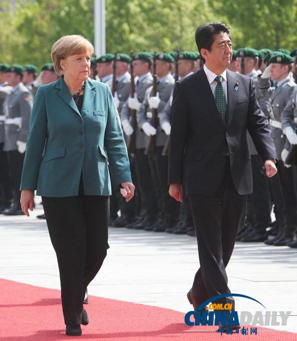 德国 日本 不会/当地时间4月30日,德国总理默克尔(左)与来访的日本首相安倍...