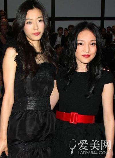 【聚时尚】娱乐圈中韩女星同台对决 谁惨变陪衬?