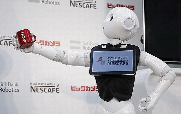 美经济学家: 机器人或将接管人类工作导致经济崩溃