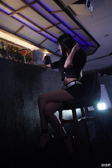 4月18日上午,   徐娇   在微博晒出一组cosplay动漫《死亡高清图片