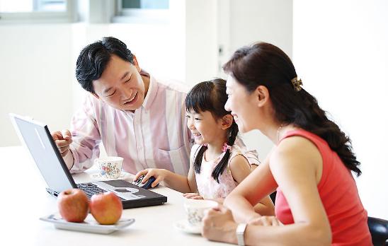 让孩子们能够愉快接受父母观点的8个小技巧