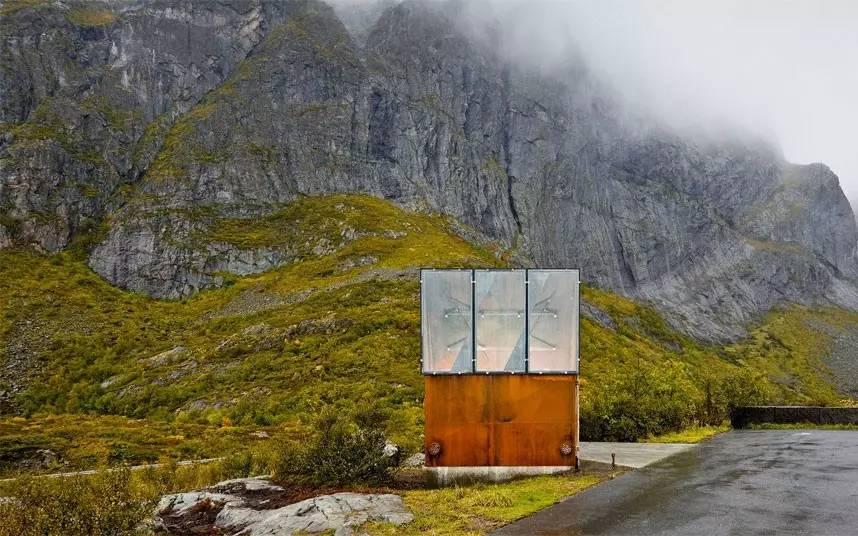 """全球趣闻  lofoten岛厕所 沿着挪威lofoten岛旅行,会遇见一所名为"""""""