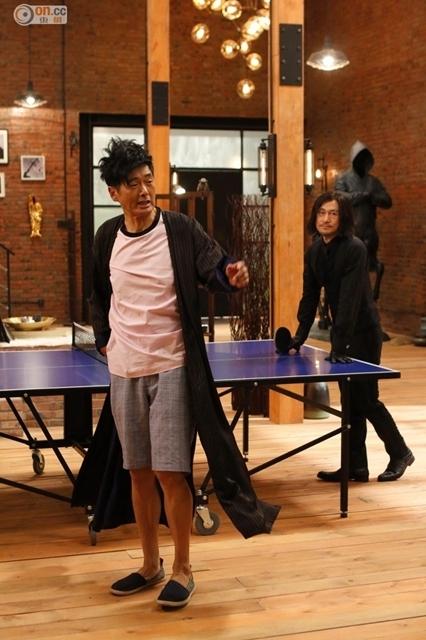 [明星爆料]张学友与周润发打乒乓 凌空360扣杀显霸气(图)