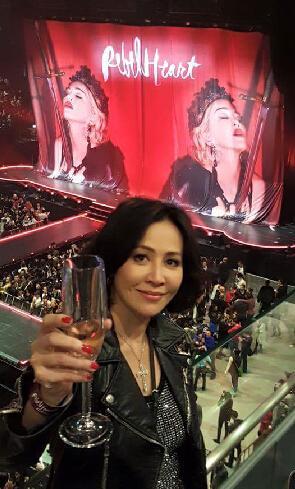 [明星爆料]真土豪!刘嘉玲掷五十万包厢看麦当娜演唱会