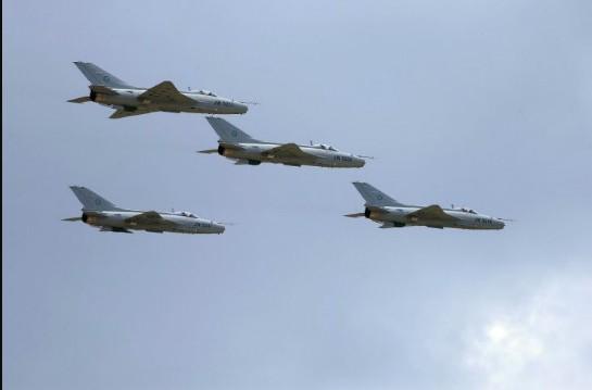 中国成都飞机工业公司研制的歼-7g歼击机