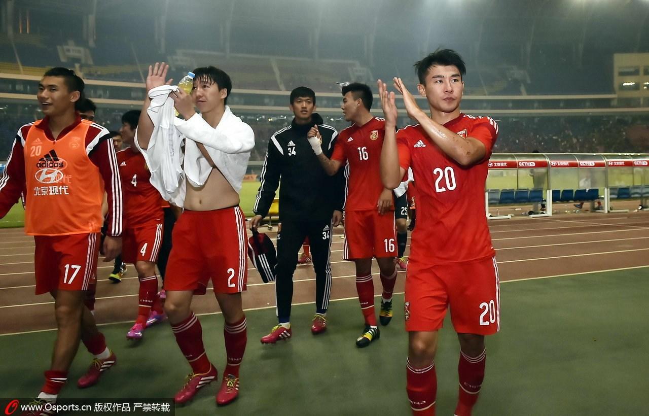 外籍专家:国足不进亚洲杯8强算失败 需依靠恒