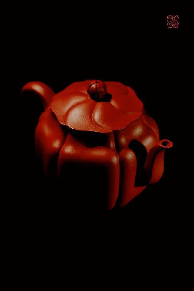 保持壶内清洁 紫砂壶因其特有的双气孔结构,以及严密的造型,能够推迟
