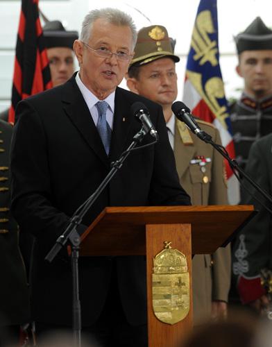 匈牙利总统施密特·帕尔