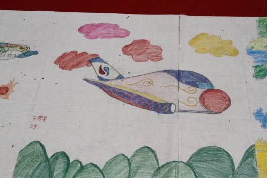 孩子画的飞机