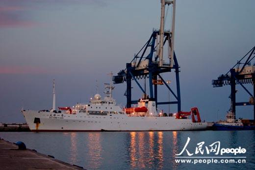 """当地时间5月26日,""""大洋一号""""完成26航次第1航段调查任务,停靠塞浦路斯利马索尔。李杨洋 摄"""