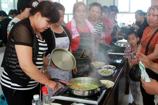 海勃湾区第十三届社区文化艺术节美食节厨艺比最强-的美食大全图片麻辣图片