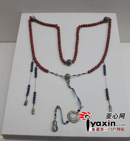 清朝后宫妃嫔的挂饰 高清图片