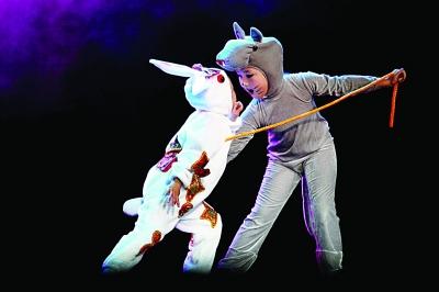 聪明的小白兔勇斗大灰狼