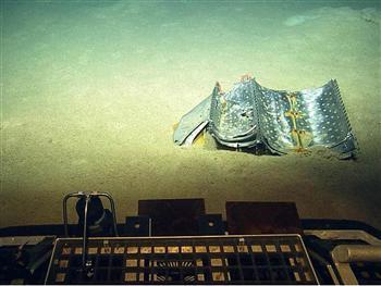 2012年6月22日,土耳其一架军机坠落大海,图为该飞机部分残骸。