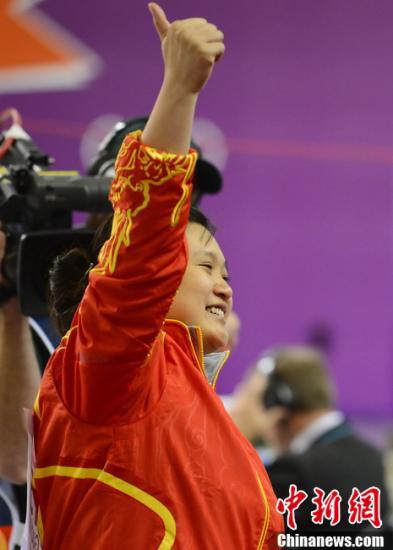 当地时间7月29日,伦敦奥运会女子10米气手枪决赛中,卫冕冠军郭文珺惊险夺冠。图片来源:Osports全体育图片社