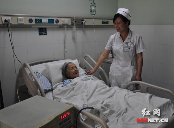 【创先争优】101岁老人三谢湘雅二医院(图)