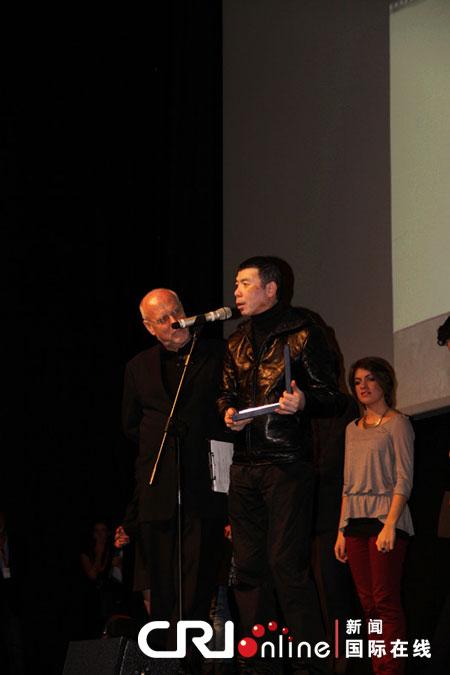 一九四二 获罗马电影节青年影评金蝴蝶奖和最佳摄影奖