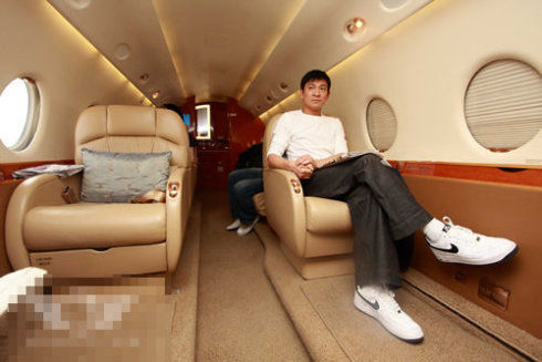 盘点拥有私人飞机的十位明星