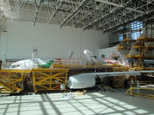 东航昆明维修基地首次完成飞机整机喷漆工作
