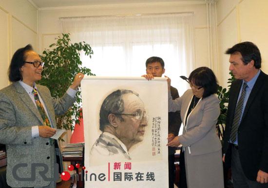 中国水墨肖像画《法国总统奥朗德》赠画仪式在图解十八大图片