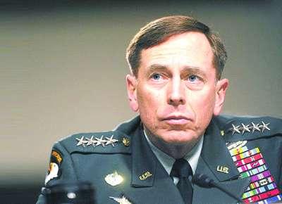 随着美国中情局彼得雷乌斯本月9日的请辞