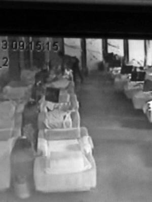 下体在少女摸17岁浴场警方被男子行政表白10女生拘留版摇图片
