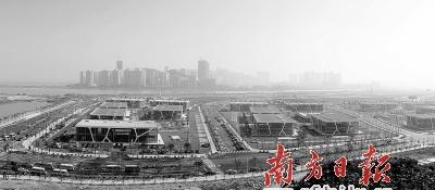 """横琴新区力争在""""三年大变化""""的基础上实现""""五年成规模""""。 王荣 摄"""
