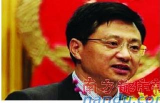 时任重庆合川区区长的韩树明,与赵红霞在重庆金源酒店开房时被偷拍,与谭琳在同一酒店开房时被捉奸。