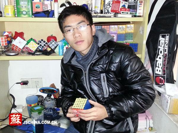 他将一个魔方拼成六面各自同色的平均成绩已经