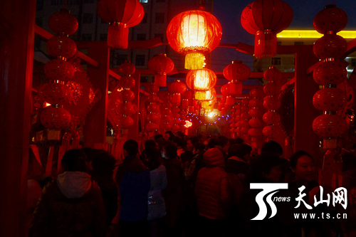 乌鲁木齐文庙元宵节灯会活动精彩纷呈