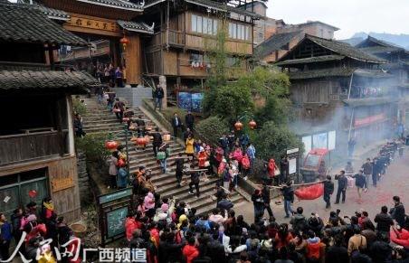 广西三江 侗乡婚俗引客来图片