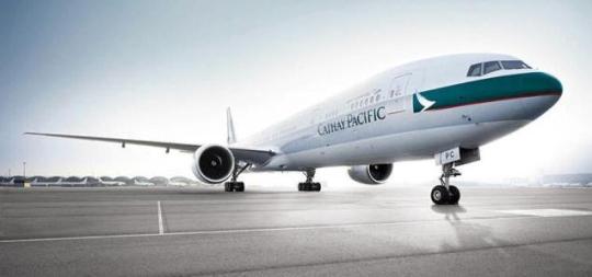 图:国泰航空欲开辟更多印度新航点 据《印度教徒报》报道,香港国泰航空(Cathay Pacific)计划开通更多印度城市与香港间的航线,以扩张其印度市场。国泰航空最近开通了每周四班的香港至印度海德拉巴航班服务,同时增加了往返钦奈的航班频率。 目前国泰航空每周运营印度和香港之间的35个航班。 国泰航空产品总经理托比史密斯(Toby Smith)表示,印度作为增长最快的经济体之一,对于我们而言是很重要的市场,包括客运和货运服务。除了连接香港,新航点的开辟也将促进印度与中国、澳大利亚以及北美的联系。 此外