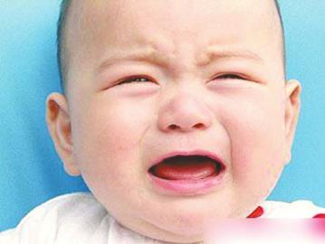 可爱小孩快哭了
