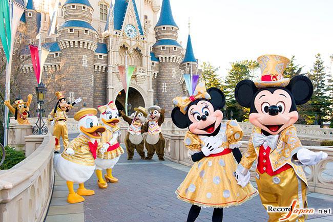 东京迪士尼乐园开业30周年游客破5亿人次图片