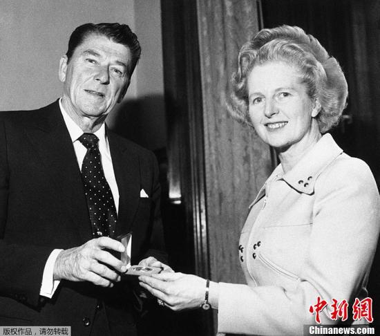 罗纳德·里根与撒切尔夫人。