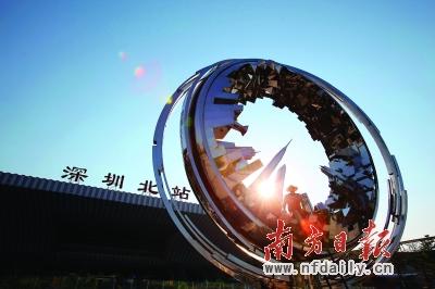 定位于打造深圳城市副中心的龙华新区一直受交通拥堵问题困扰。何俊 摄