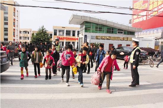 小学探访三甲椒江数学中心街道校门口疏大全小学二记者年级应用题图片