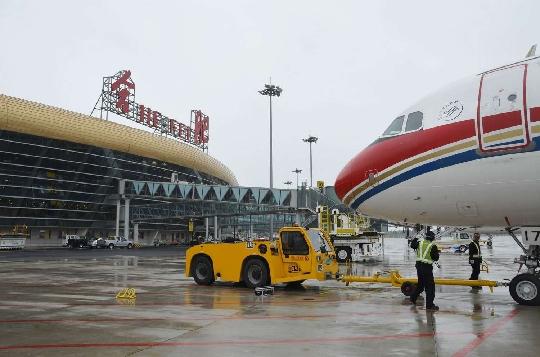 合肥新桥机场第一架航班出港